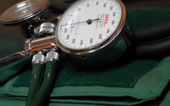 blood-pressure-monitor-350930_960_720